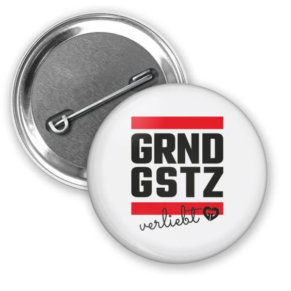 "Button ""GRNDGSTZ verliebt"" (Ø 38mm)"